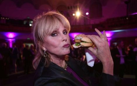 joanna lumley burger